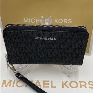 Michael Kors Jet Set Travel Phone Wallet W…